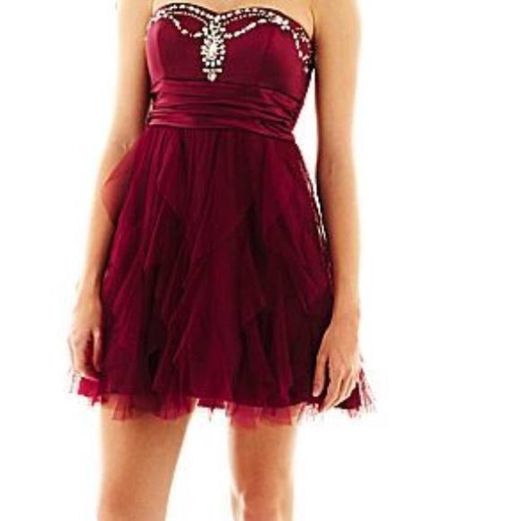 Maroon Ruffled Prom Dress